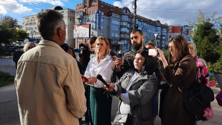 «Публичные слушания без публичности». В Омске обсудили разделение дендросада
