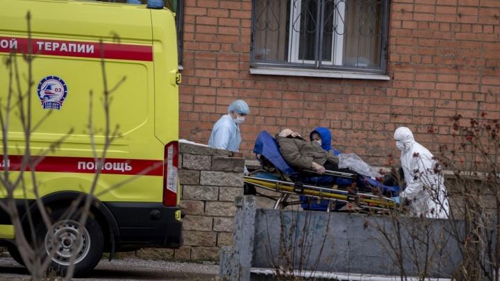 За сутки от коронавируса в Ярославской области умерли пять человек. Что о них известно