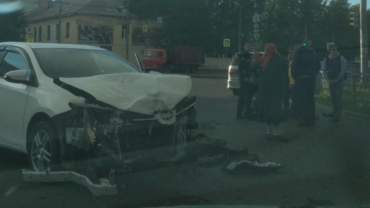 На Новой Сортировке женщина на Toyota сбила мотоциклиста