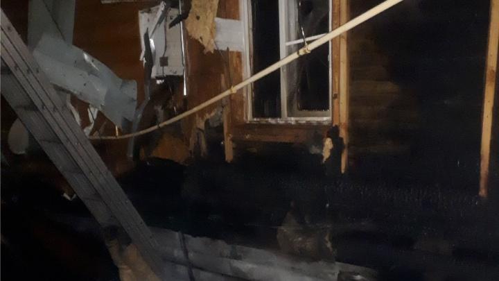 В Дзержинске частный дом загорелся от молнии