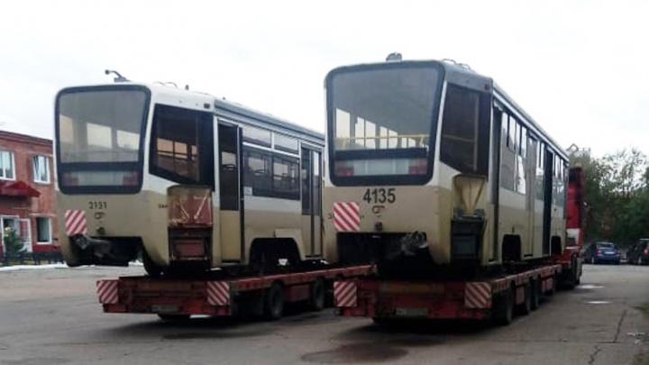 В Омск привезли последнюю партию трамваев из Москвы