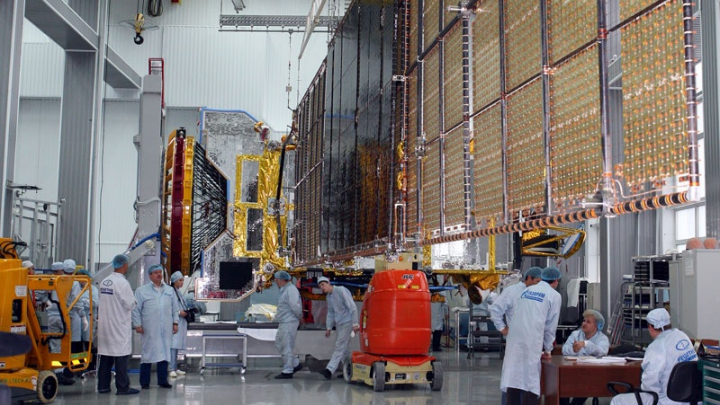 Два цеха завода «Информационных спутниковых систем» закрыты из-за коронавируса сотрудников