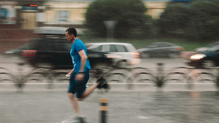 В выходные в Тюмени похолодает и зарядят дождь с грозой