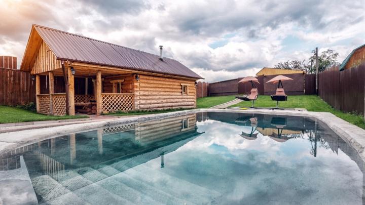 Екатеринбуржцы заинтересовались посуточной арендой коттеджей: сравниваем три варианта для отдыха