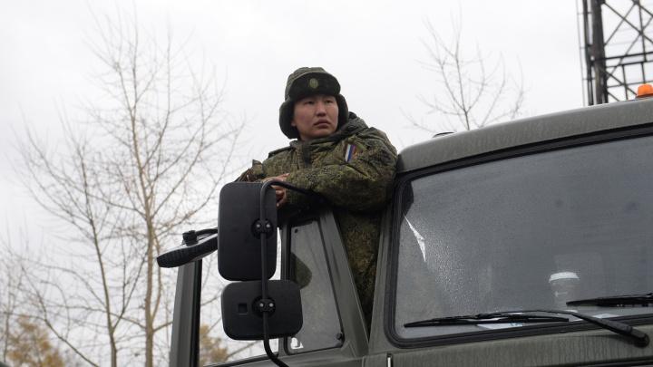 Военные бригады химзащиты продезинфицируют свердловские дома престарелых от коронавируса