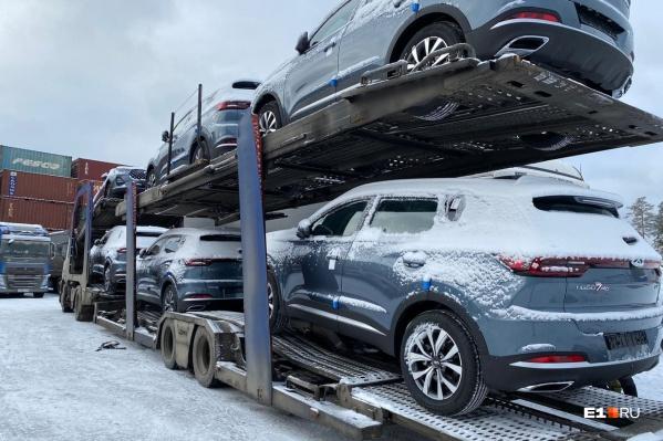 Новые машины разъезжаются по всему Уралу
