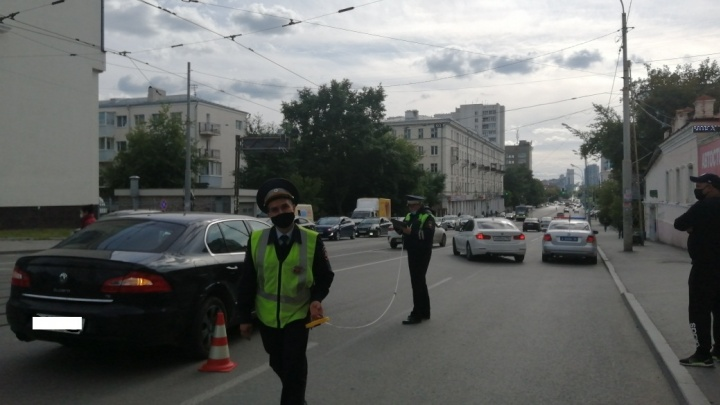 ДТП на Куйбышева, где SKODA сбила 11-летнюю велосипедистку, попало на видео