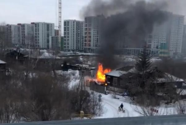 Шестой пожар с начала года: на Береговой вновь загорелся дом