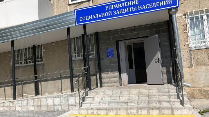 Управление соцзащиты в Челябинской области проверят после смерти замерзшей в сенях девочки
