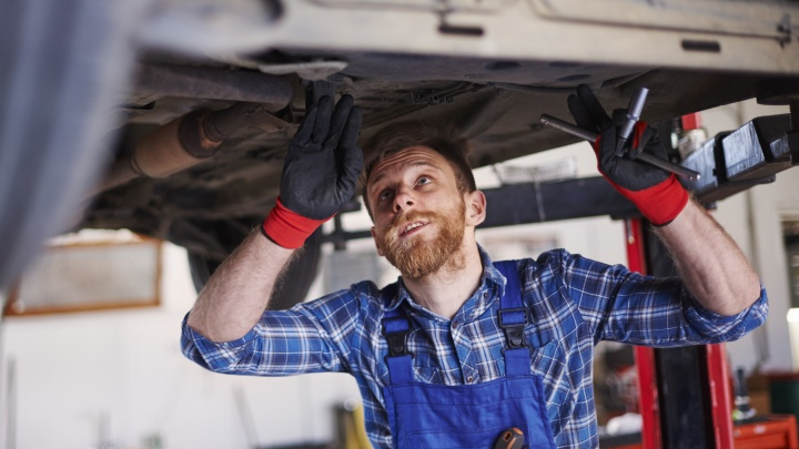 «С вас 0 рублей»: почему самарские сервисы удаляют катализаторы у автомобилей бесплатно
