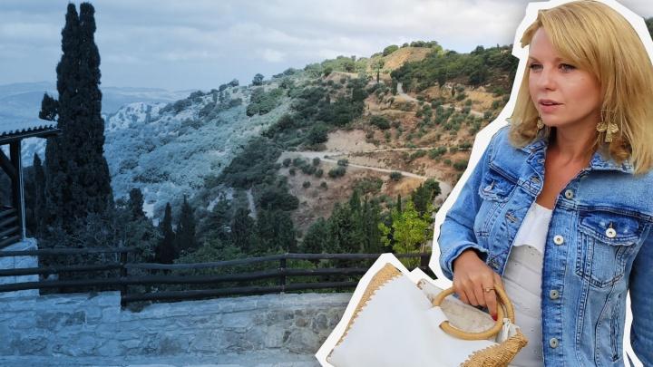 Раньше удобряли оливы, теперь поливают улицы хлоркой: челябинская жена фермера — о пандемии в Греции