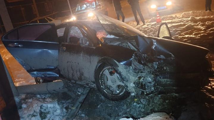 Пьяный водитель «Хонды-Аккорд» врезался в ЛЭП, убил свою пассажирку, но сам не пострадал