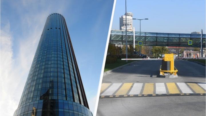 Дочерняя компания УГМК обманула правительство, чтобы оставить незаконный шлагбаум в центре Екатеринбурга