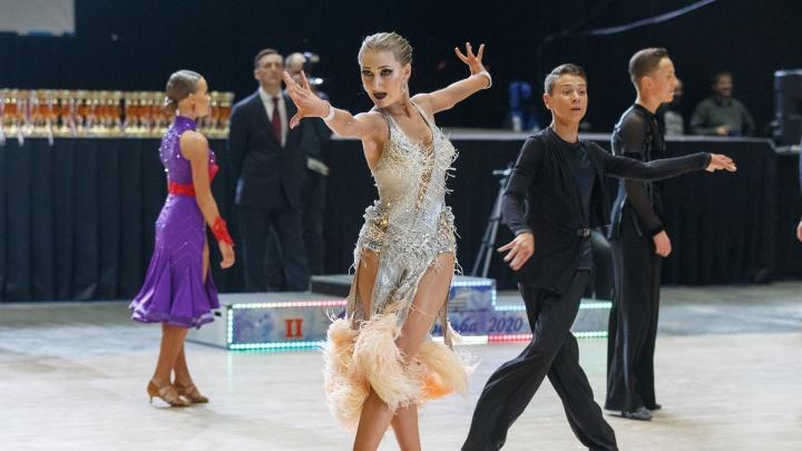 С алмазным блеском: в Архангельске прошли соревнования по танцевальному спорту «Снежная румба»