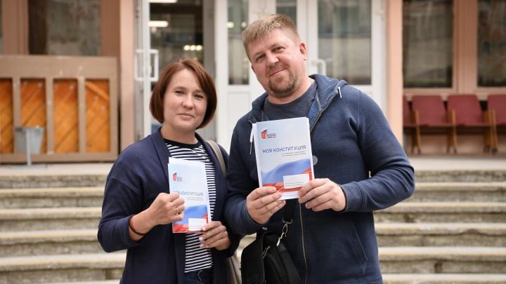 Как голосовали в Саратове: фоторепортаж с избирательных участков