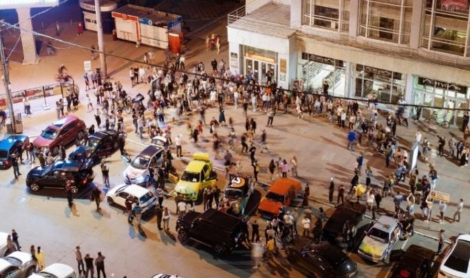 Мэрия попросила новосибирцев докладывать о предстоящих массовых вечеринках в городе