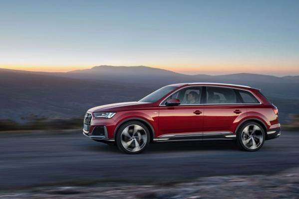 Audi Q7 демонстрирует отличную маневренность, точность и динамичность как в городском потоке, так и на извилистых дорогах