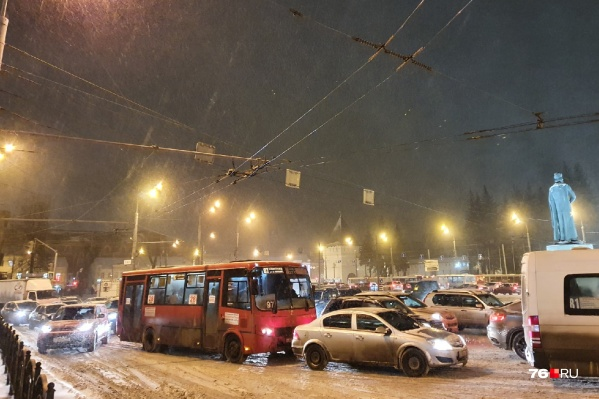 Циклон«Грета» завалил город снегом