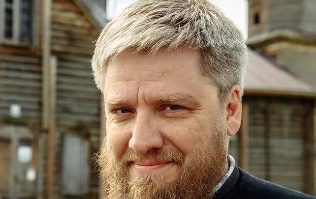 Деревенский поп подарил свой день рождения благотворительному фонду
