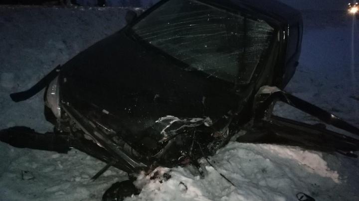 Под Курганом произошло тройное ДТП: иномарка столкнулась с фурой и легковушкой