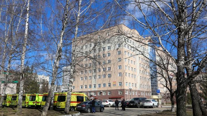 «Приехал на лечение и заразился коронавирусом»: врач РКБ Куватова рассказала об умершем пациенте