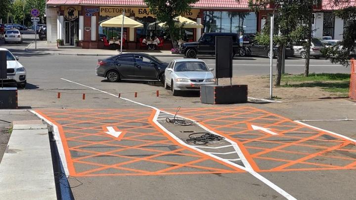 Парковки в центре становятся платными: кто на этом заработает