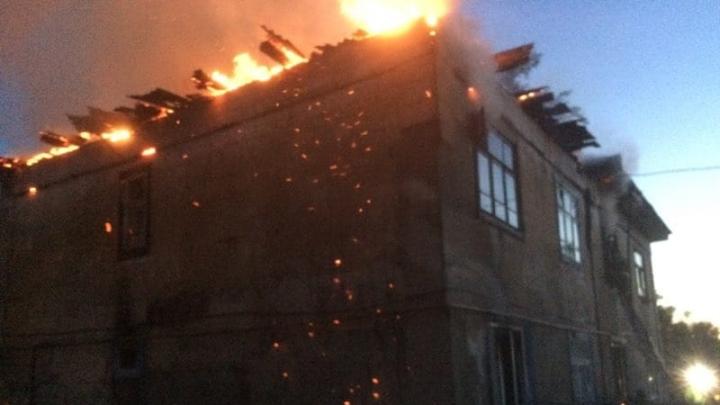 В Борском районе ночью произошёл масштабный пожар в жилом доме