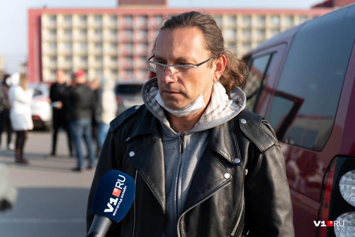 Угрозы от Арсена Мелконяна получал и его сосед Олег Сойнов