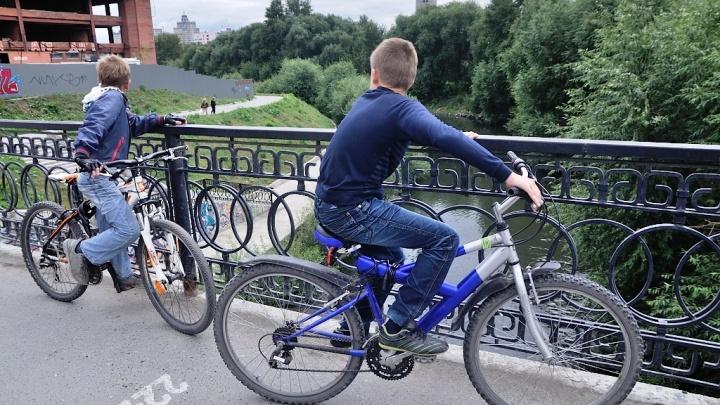 Мэр Екатеринбурга предсказал конфликт между пешеходами, велосипедистами и самокатчиками