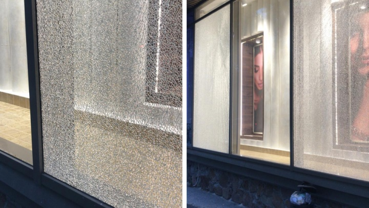 В центре Новосибирска из пневматического оружия обстреляли ювелирный магазин