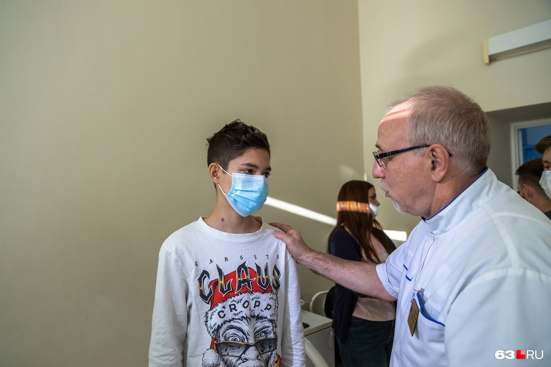 Алексей Вачев со своим юным пациентом