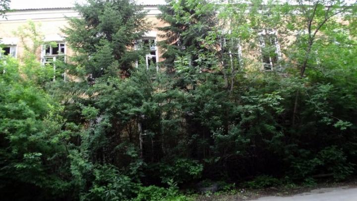 В Челябинске остатки бывшего танкового училища ушли с молотка
