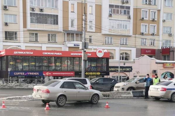 ДТП произошло на углу улицы Писарева и Красного проспекта