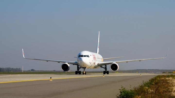 Самолет, направлявшийся в Ростов из Москвы, вернулся в Шереметьево и экстренно зашел на посадку