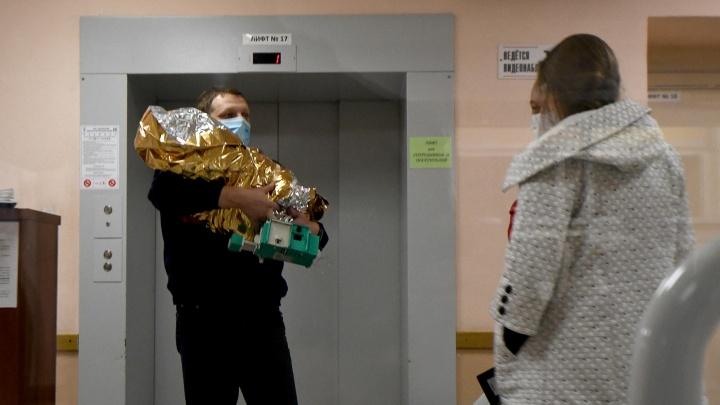 «Полина, живи!»: врачи рассказали о состоянии девочки, которую нашли в шкафу в Карпинске