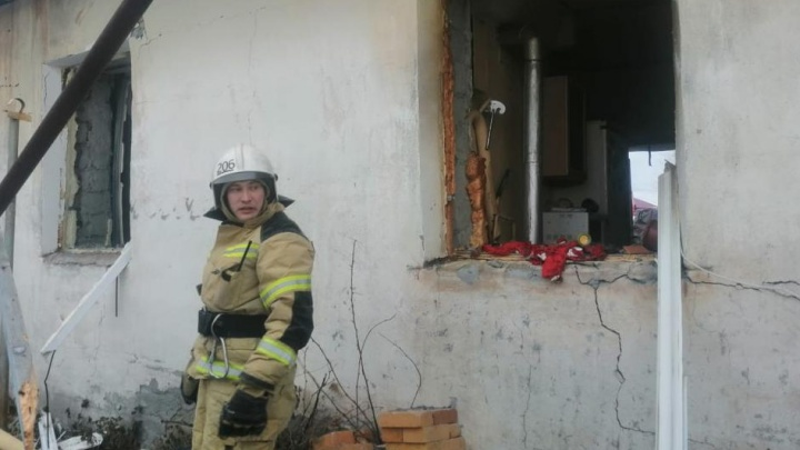 В Свердловской области в жилом доме взорвался газ. Хозяин в реанимации