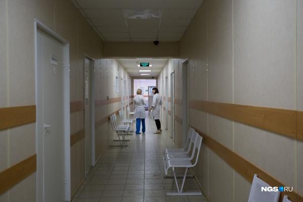 В стационарах Новосибирска находятся 3025 взрослых с установленным диагнозом и подозрением на коронавирус