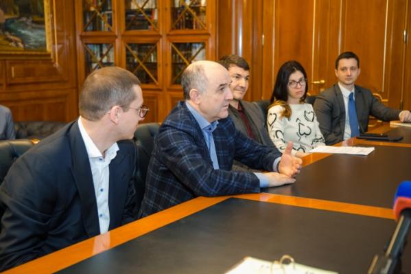 Сейчас Узденов — управляющий партнер АФК «Система»