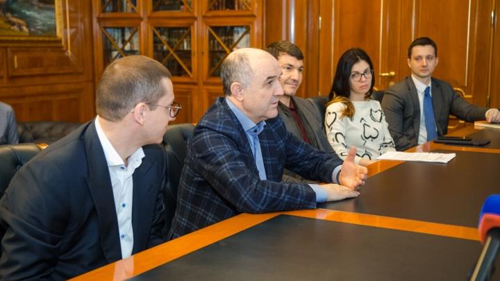 Спасают зверей, делят госконтракты: что связывает губернатора Голубева и бизнесмена Узденова