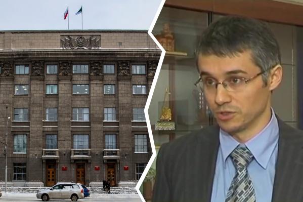 Роман Сальников, по данным следствия, получил взятку в 100 тысяч рублей