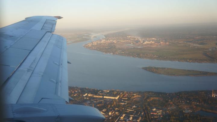 В Архангельске ищут пассажиров самолета, на котором прилетела заболевшая коронавирусом