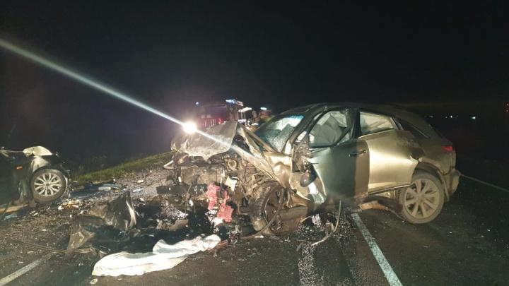 Водитель Infiniti не имел водительских прав: подробности аварии под Тюменью, где погибли мать и дочь