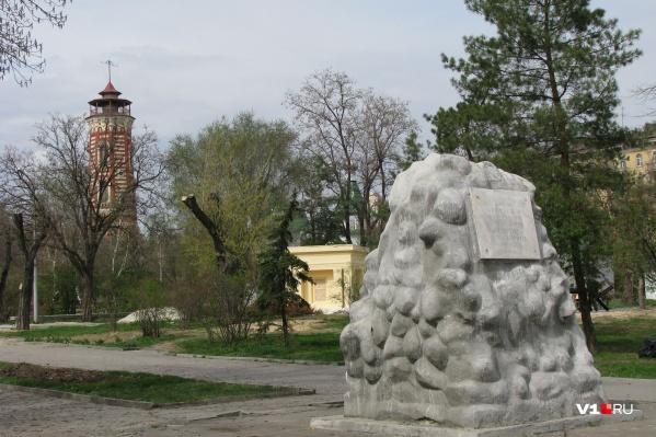 Долгие годы памятник просит ремонта