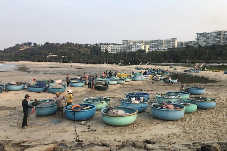 Вьетнамским рыбакам карантин — не помеха