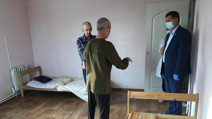 Синяки, антисанитария: депутат из Башкирии без прикрас рассказал о пансионате, где издевались над стариками