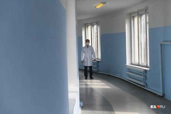 «Контактные» дети с родителями разместились в больнице № 6