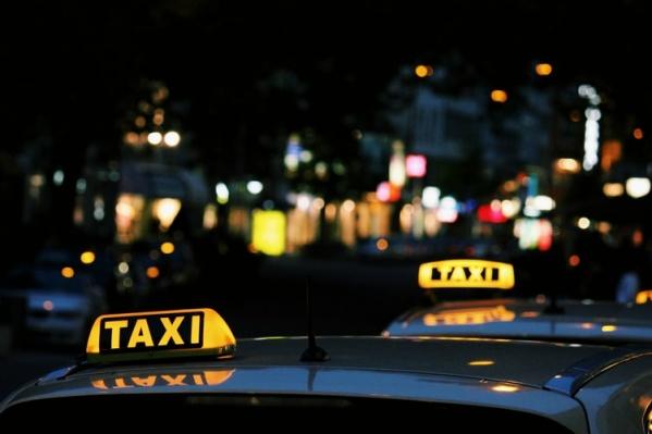 В исследовании приняли участие 1000 пользователей услуг такси и 1000 водителей из Москвы