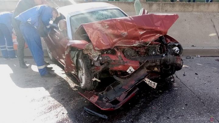 В Волжском в ДТП с Chrysler погибла водитель «семерки»