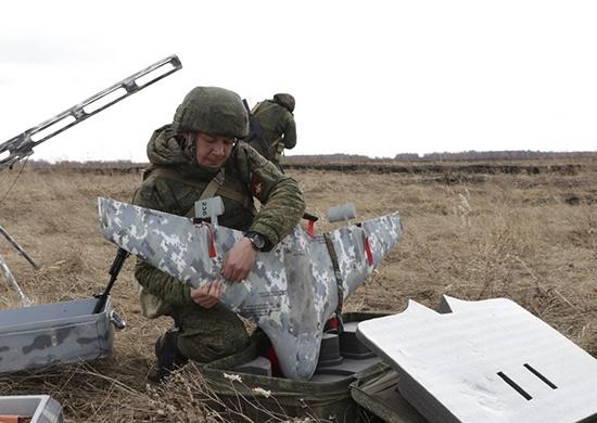Над Кузбассом летали военные беспилотники. Рассказываем, почему