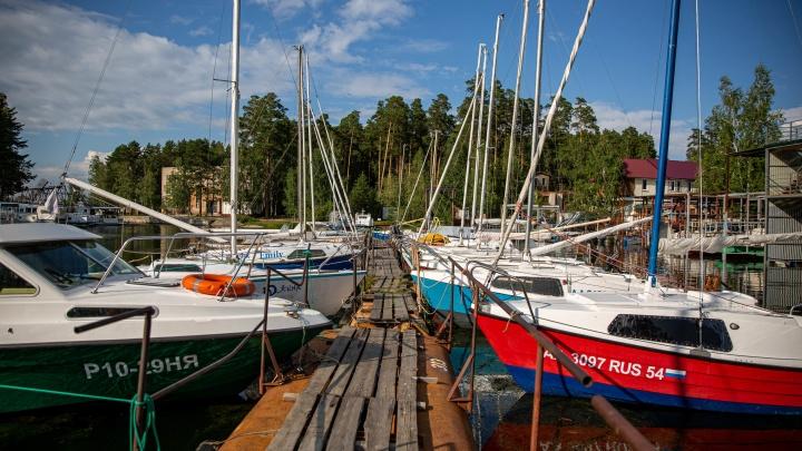 Репортаж с палубы: где взять яхту напрокат в Новосибирске и сколько это стоит (идеально в жару)